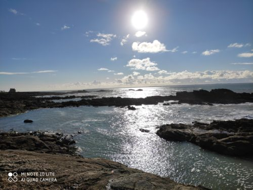 mer rochers soleil bretagne